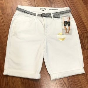 Riders by Lee White Belted Bermuda Shorts NWT